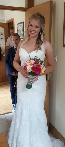 Summer bride glowing skin