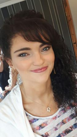 Gorgeous natural bridesmaid Claragh