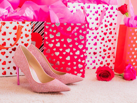 Valentine's Day Gift Guide for Entrepreneurs: 10 Gift Ideas to Improve Their Hustle
