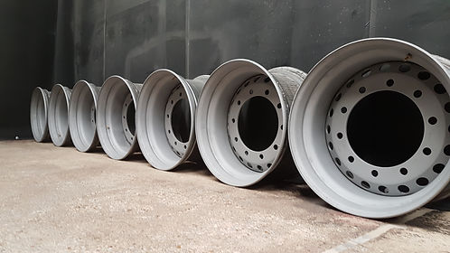 Blast Cleaned Lorry Trailer Wheels