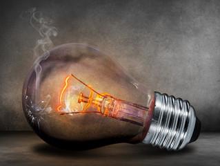 Energia elétrica cai todos os dias em condomínio