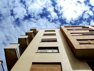 Procon multa construtora por irregularidades em condomínio