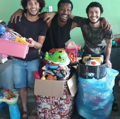 Doação de Brinquedos e Roupas
