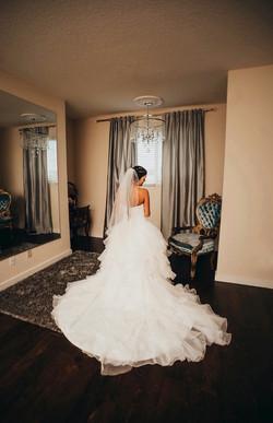 Destinee in Bridal Suite.jpeg