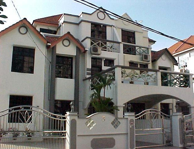 Luxurious Three-Storey Semi Detached Houses
