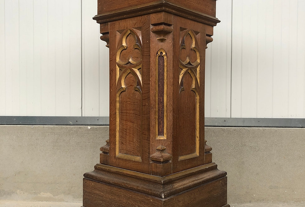 Neo Gothic Church Console