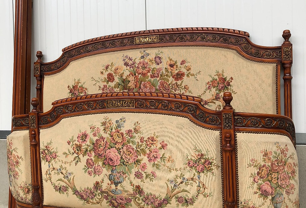 Louis xvi Bed with tapestry