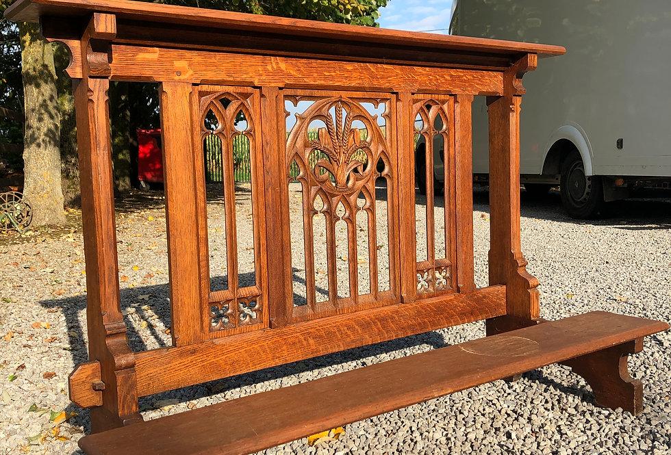 Gothic Kneeler/Prayer Bench in oak