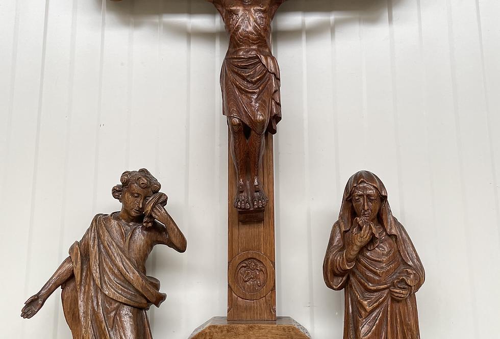 Crucifix in oak