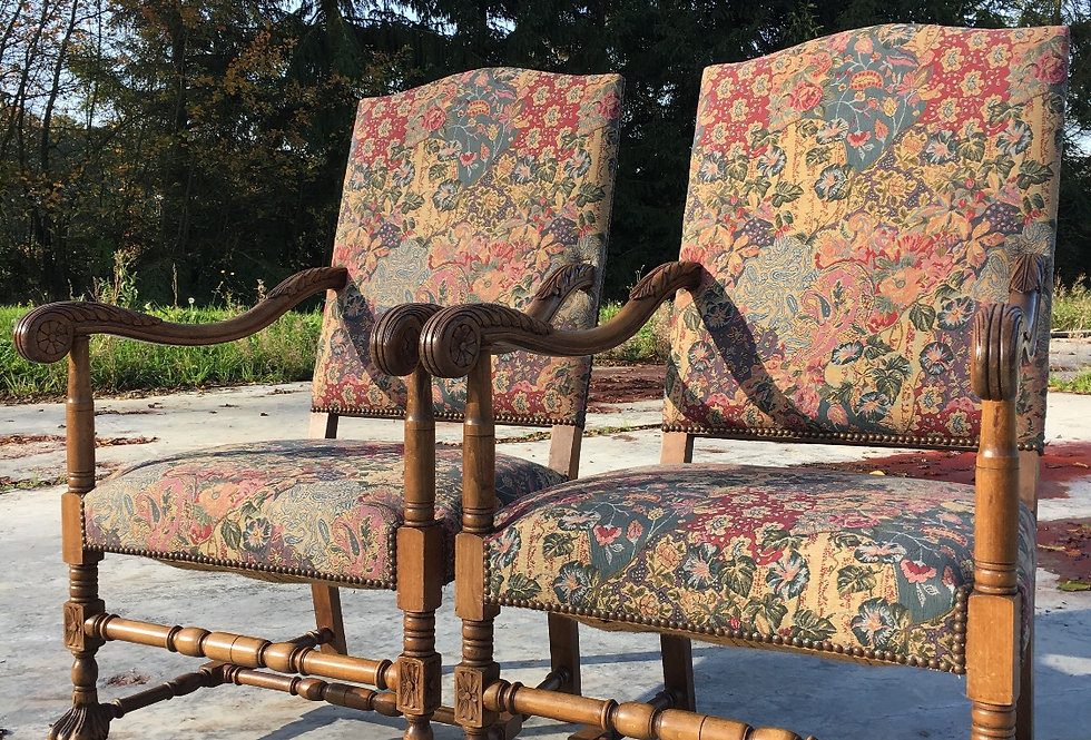 Pair of Louis XVI Armchairs with tapestry