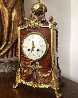 aankoop van antiek en meubelen