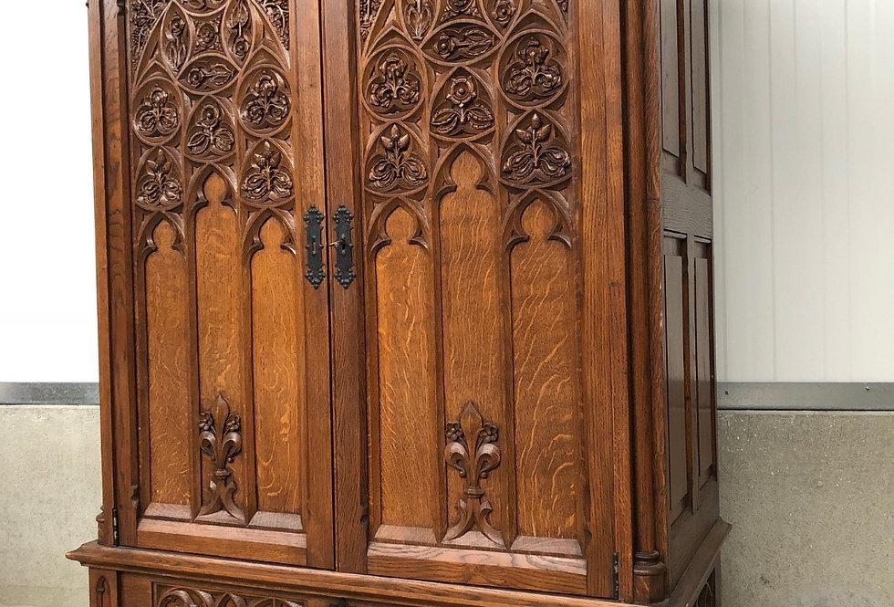 Nice Gothic Wardrobe / Storage Cabinet in oak