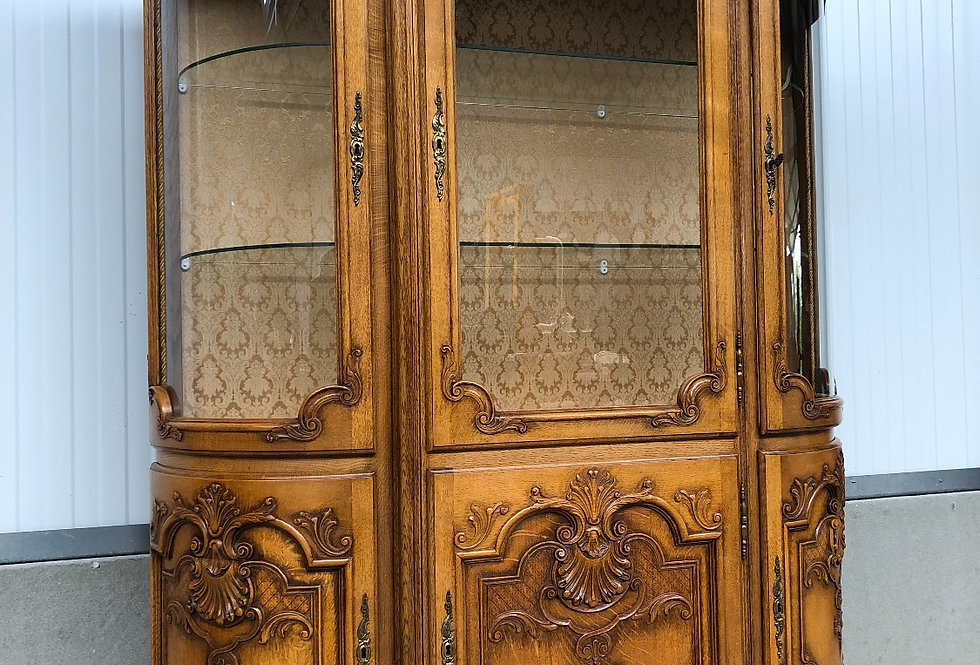 Beautiful Liege Style - Louis XV China Cabinet / Vitrine