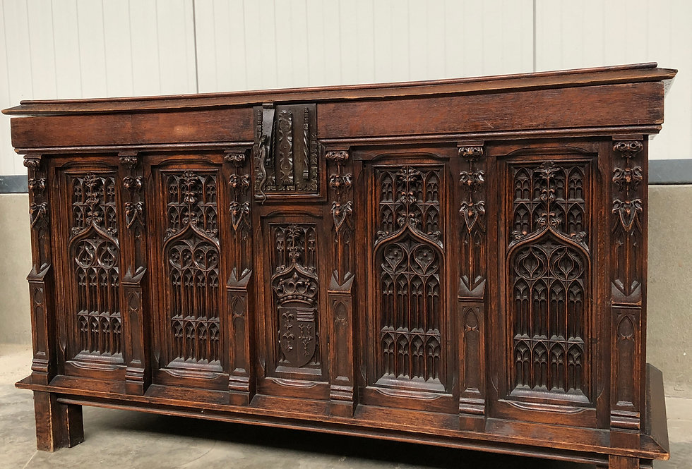 Gothic Trunk in oak circa 1880