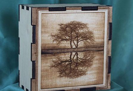 Photo Engraved wood box with tree image