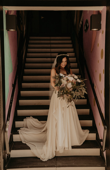 bridal portaits on staircase