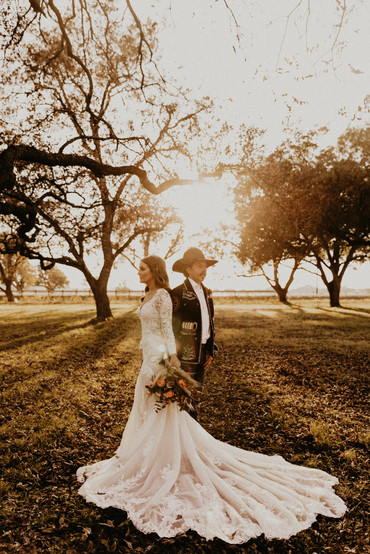 hill country bride and groom