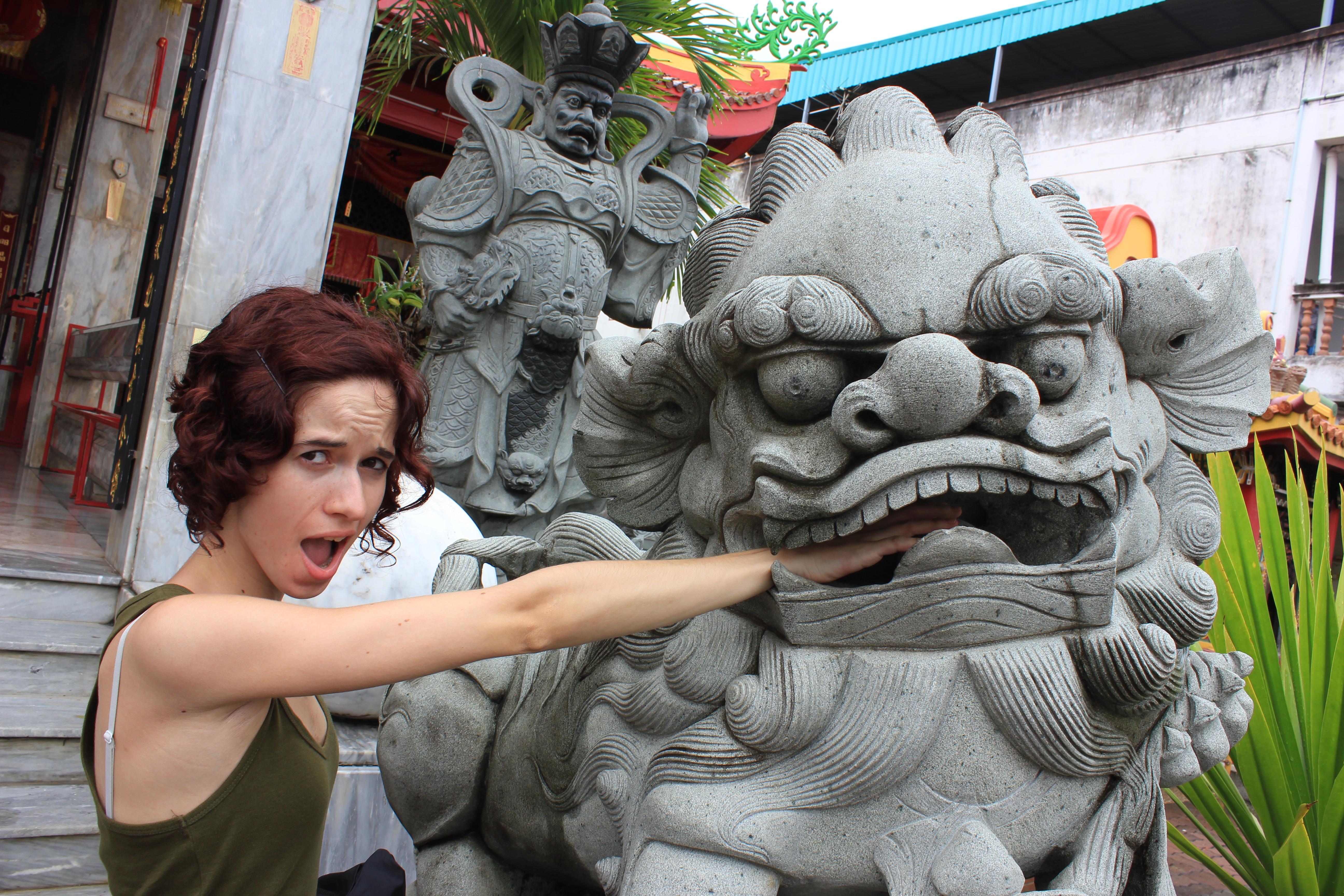 El ataque de las estatuas vivientes
