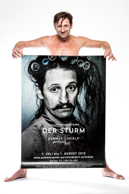 Andreas Patton mit seinem Plakat