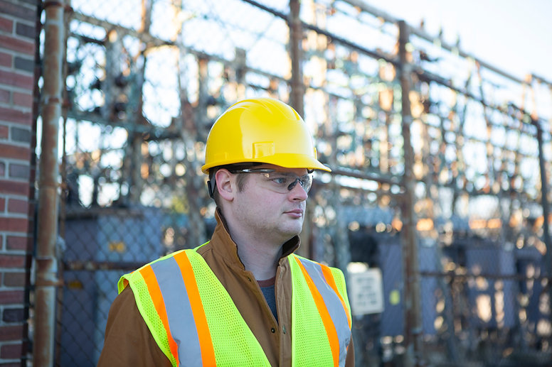 50025_RS_with hard hat_r_in use.jpg