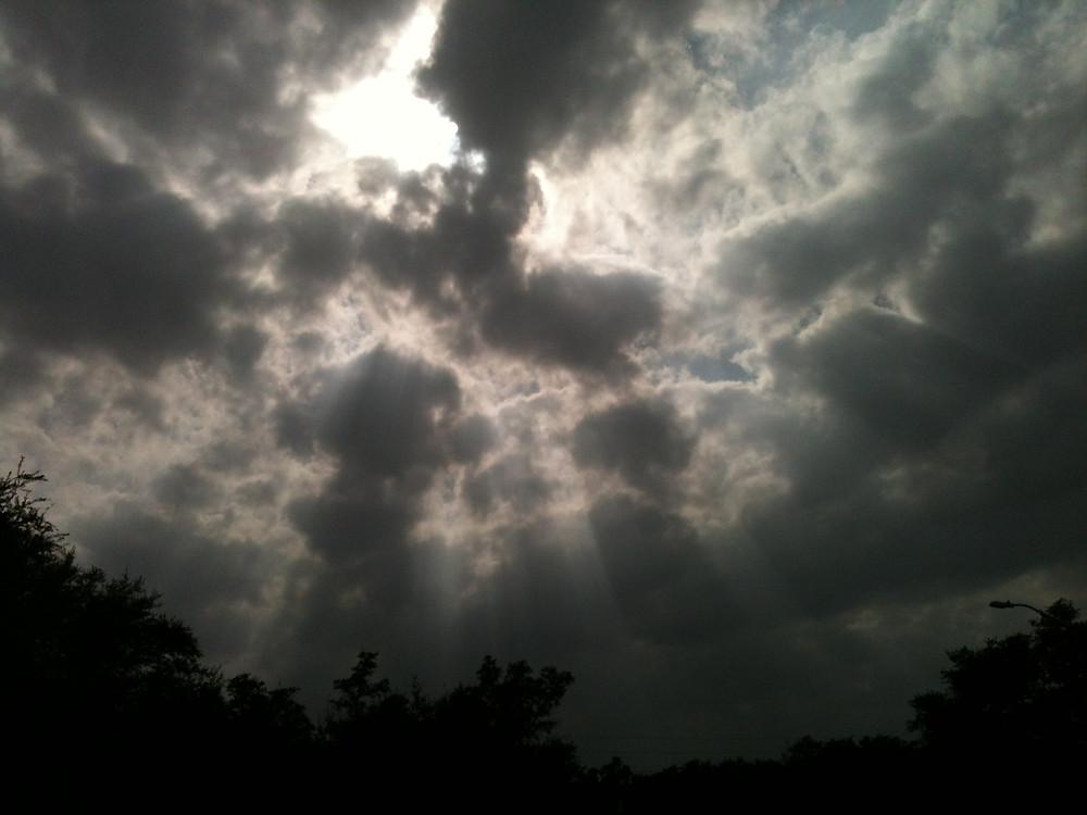 Rays of sun.040315v2.JPG