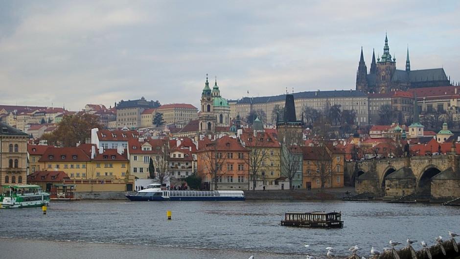 Praga, a cidade romântica, intimista, mística e cheia de música