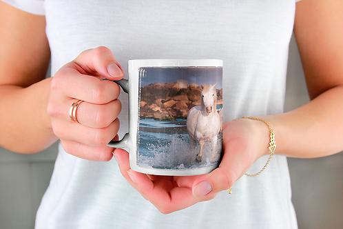 Стилна чаша за кафе със снимка на бягащи коне -вар.2