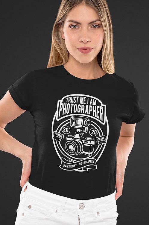 Черна тениска - TRUST ME I'M A PHOTOGRAPHER v.2 - Безплатна доставка.