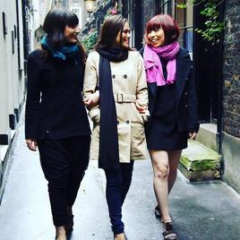 pink-teal-wrap-friends-01.jpg