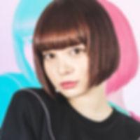 渡辺リサ-プロフィール2.jpg