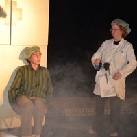 Theater Im Zelt  Olaf Nollmeyer, Antje Vetter Stück: Die Erzählapotheke  Foto: Bettina Reck