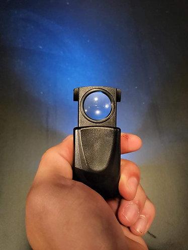 Illuminated 10x magnifier