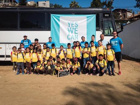 Abre sus puertas en Tijuana la escuela móvil para niños migrantes de la frontera.