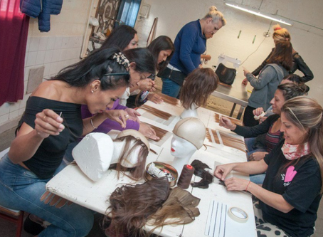 INFORMACIÓN GENERALChicas trans que están presas hacen pelucas para nenes y nenas con cáncer.