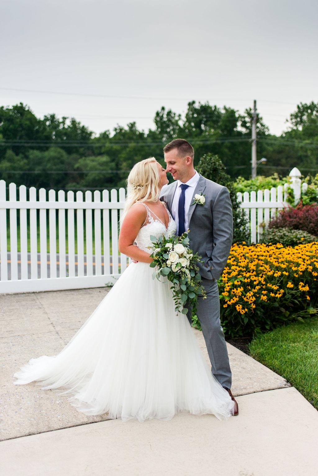 post-ceremony-barn-on-bridge-wedding-pho