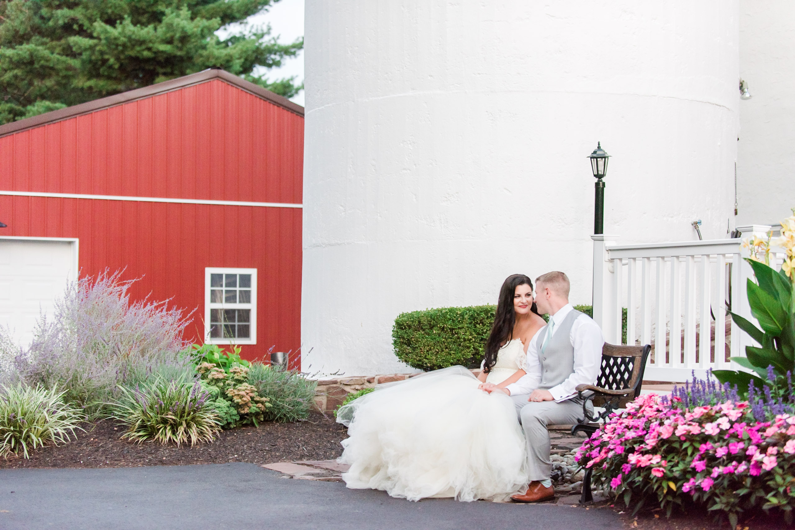 Romantic_Rustic_Wedding_Photographer_Barn_on_Bridge_Collegeville_Pennsylvania_Photographer-6