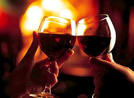 Saiba como preparar uma noite de vinhos incrível