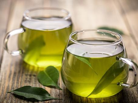 Chá detox verde é bom para a saúde? Conheça funções e suas vantagens