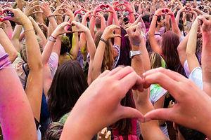 crowd-fans-concert_186382-3150.jpg