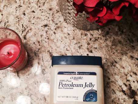 Beauty Uses for Petroleum Jelly (Vaseline)