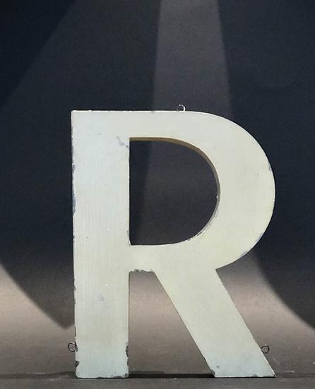"Lettre ""R"" blanc"