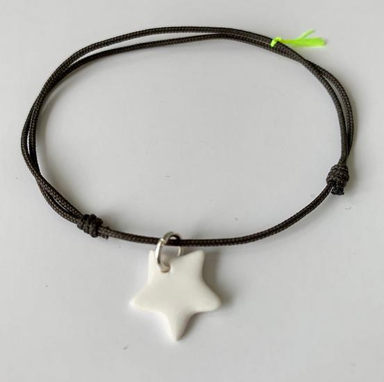 Bracelet Essentiel gris étoile blanche