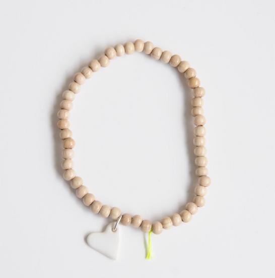 Bracelet wood 4 mm naturel Coeur blanc