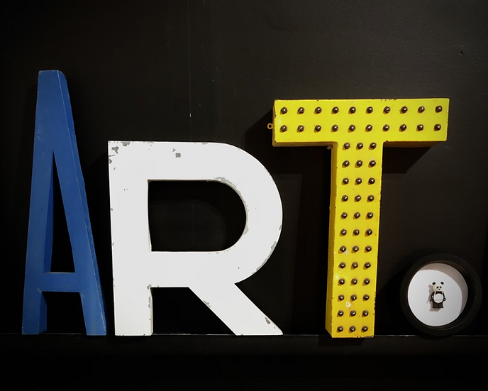 "Mot ""ART"" avec lettres vintage"