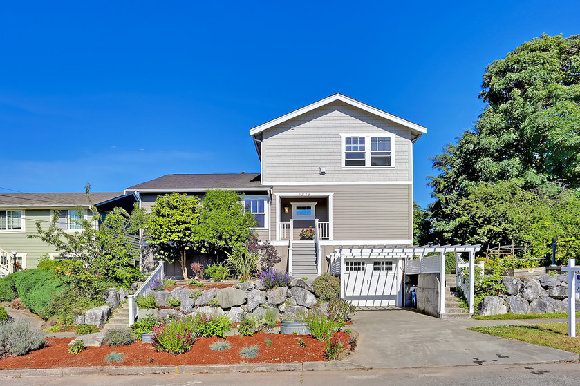 Live above the City in this adorable Pigeon Point house