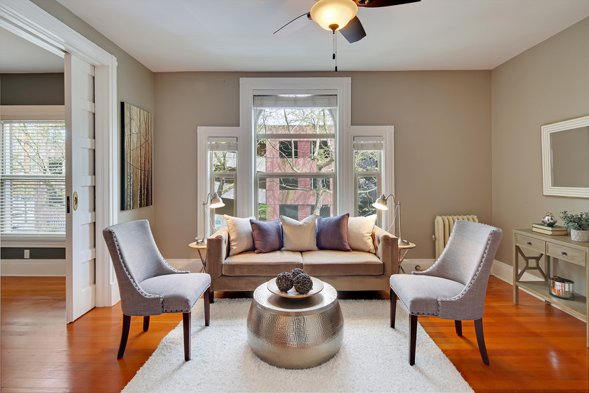 This gorgeous condo emanates old world charm, with modern amenities of course. A must see for City l