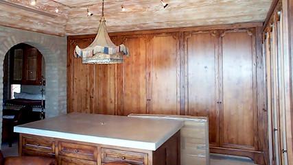 Interior 28