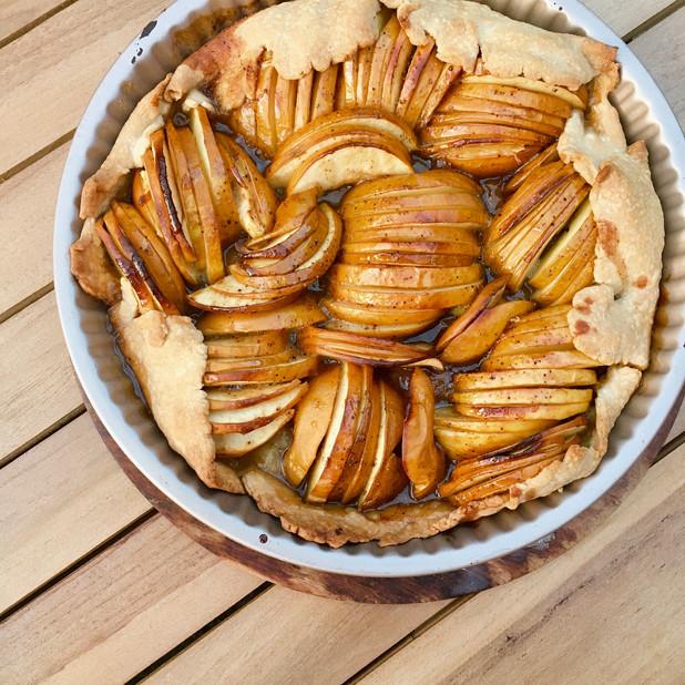 Rustic Spiced Apple Tart