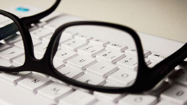 glasses-2211445_1920 (1).jpg