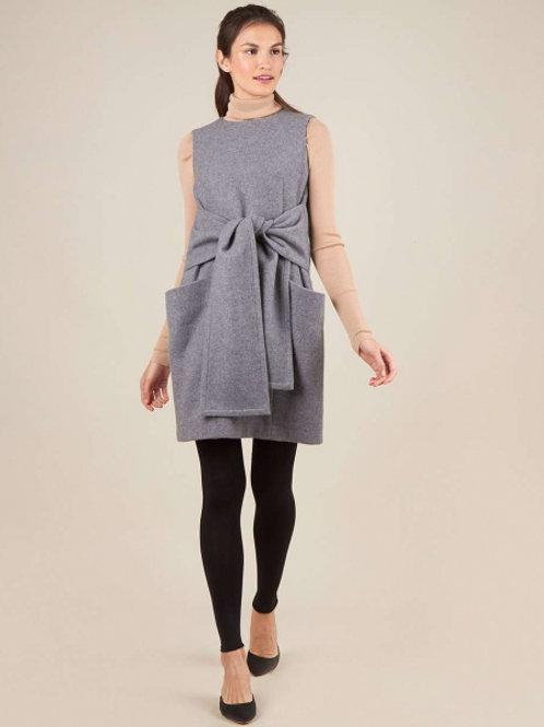 Платье с объёмными карманами